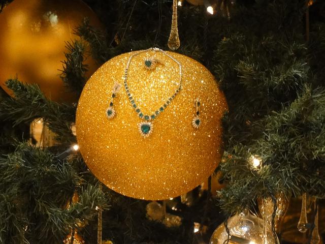 Cây thông Noel đắt nhất thế giới